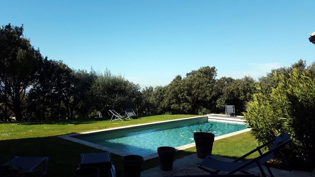 Jardin piscine 2 printemps terrasses de gordes luberon - Chambre d hote piscine chauffee ...