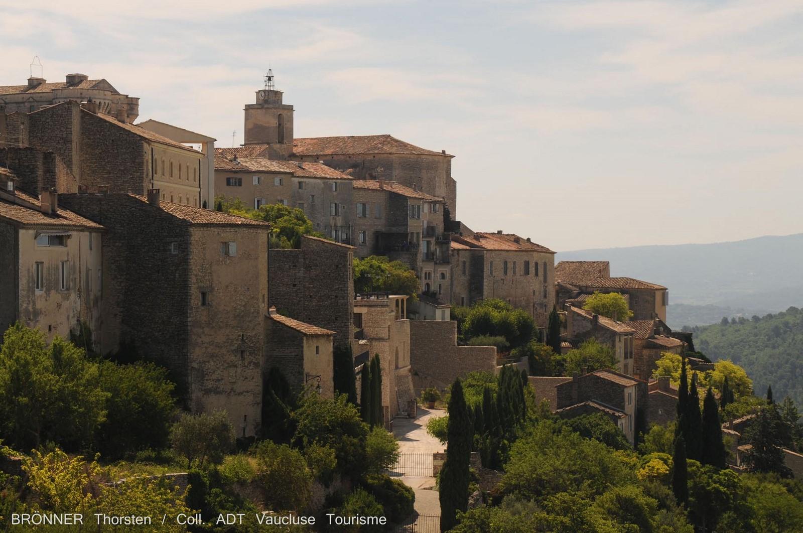 Gordes 2 plus beaux villages de france dans le luberon en for Maison d en france tarif