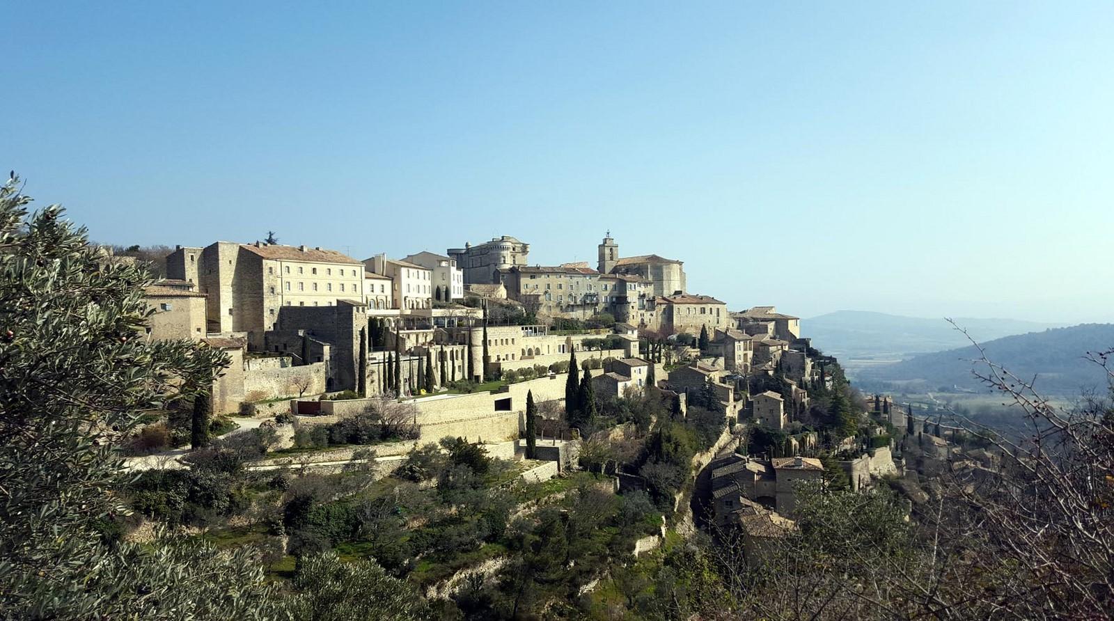 Gordes 26 plus beaux villages de france dans le luberon en for Maison d en france tarif